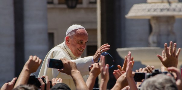 1024px-Pope_Francis_Photo_2