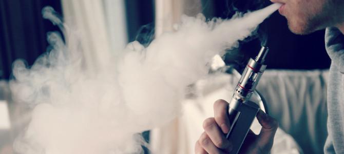 E-Cigarette-Electronic_Cigarette-E-Cigs-E-Liquid-Vaping-Cloud_Chasing_(16161316908)