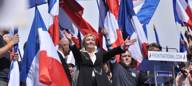 Meeting_1er_mai_2012_Front_National,_Paris_(46)